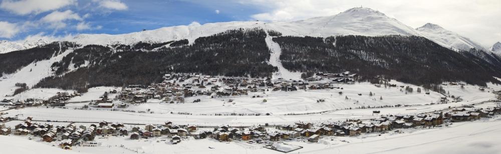 Livigno - panoramatický záběr na Mottolino
